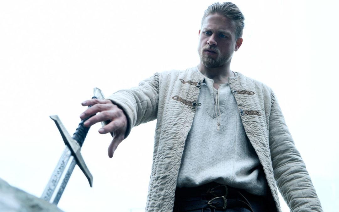 King Arthur – Il potere della spada: Guy Ritchie forgia la leggenda