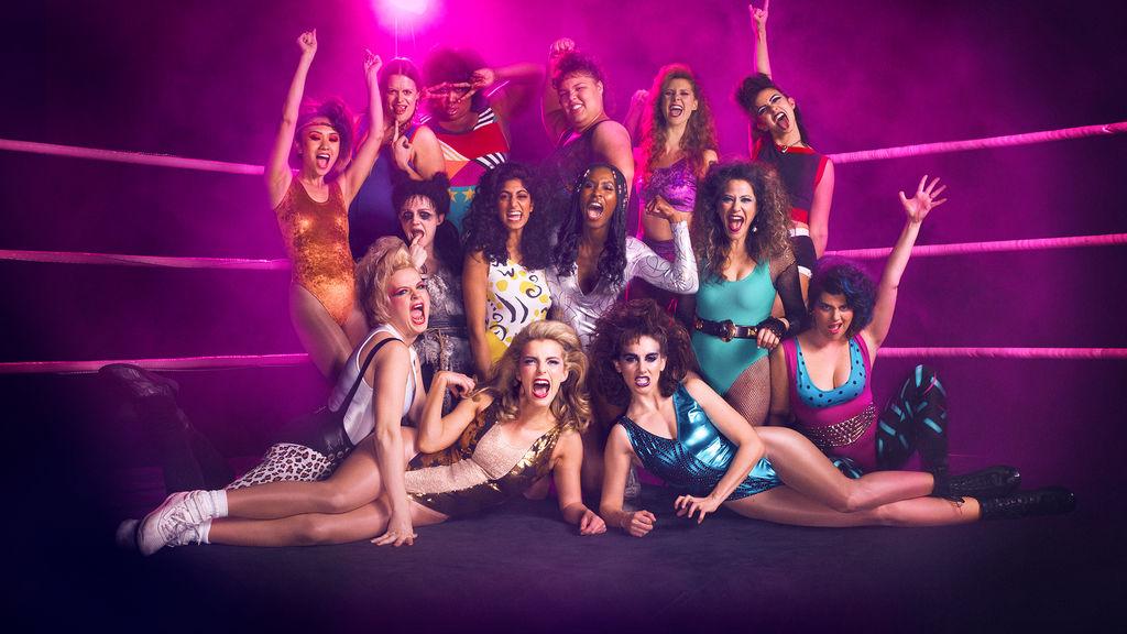 """GLOW: sul ring di Netflix anni '80 contro """"girl power"""""""