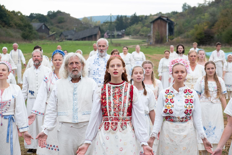 Recensione Midsommar - Il villaggio dei dannati