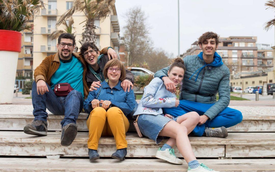 Detective per Caso di Giorgio Romano: il talento degli artisti disabili