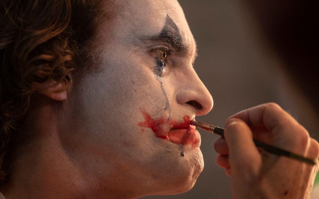 Joker: il cinecomic diventa d'autore grazie a Todd Phillips e Joaquin Phoenix