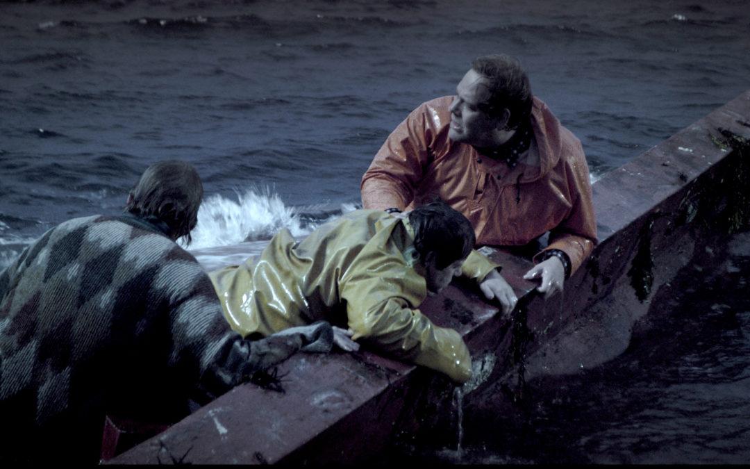 The deep di Baltasar Kormakur: come sopravvivere agli oceani del mare e a quelli mediatici