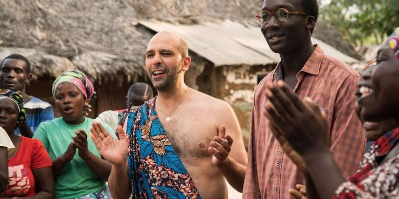 Tolo Tolo recensione dell'ultimo film di Checco Zalone: perché sì, perché no